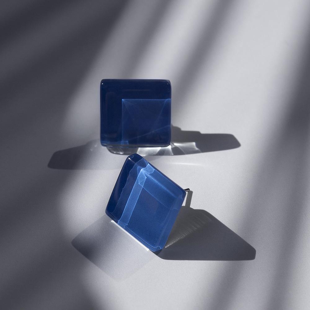 alexascha glas ohrstecker silber saphirblau 1