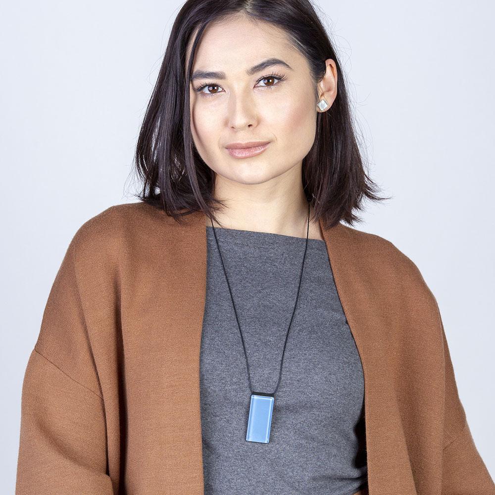 alexascha verstellbare halskette mit glasstein himmelblau