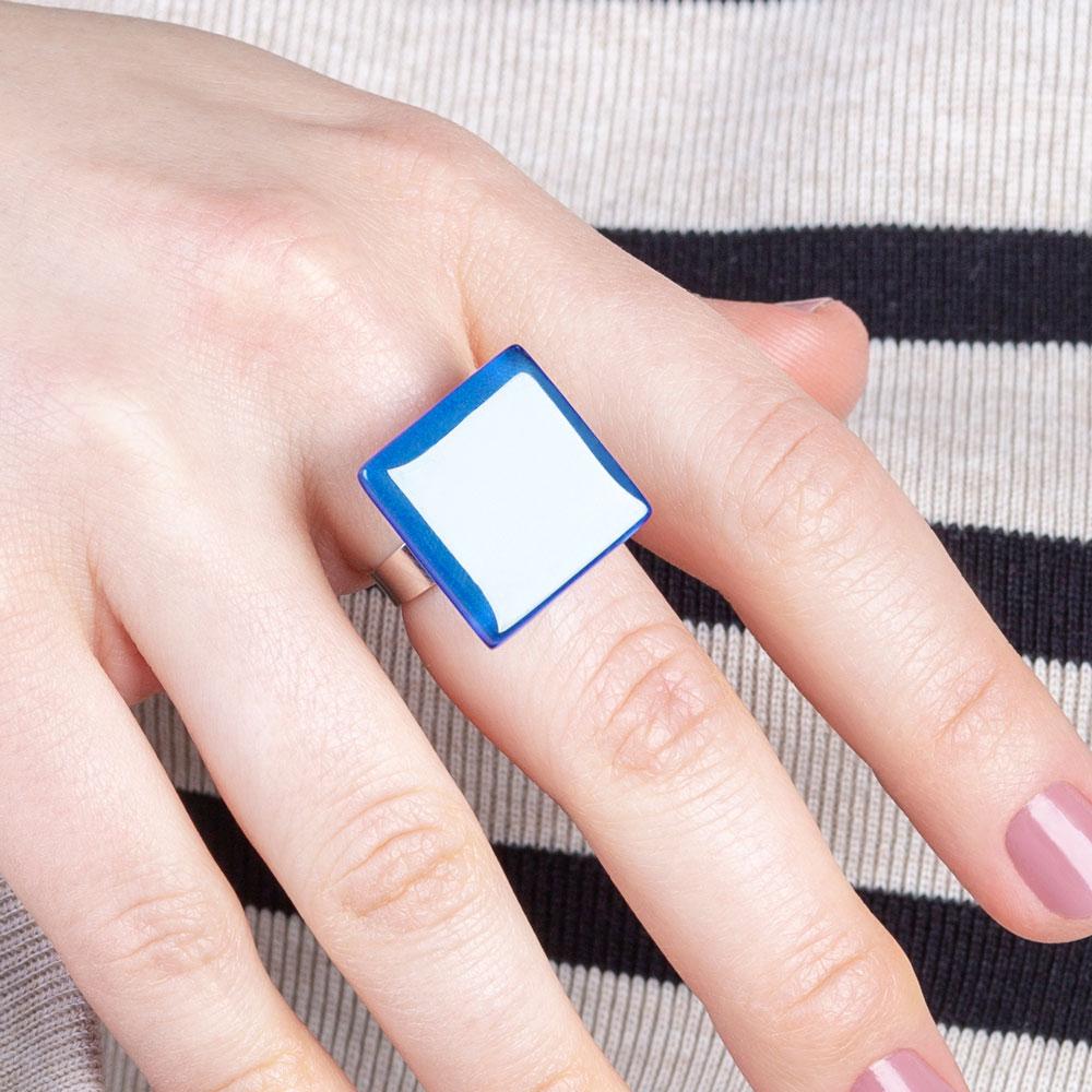 grosser glas ring azurblau