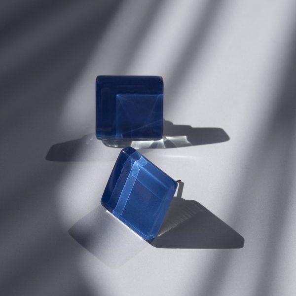 alexascha-glas-ohrstecker-silber-saphirblau-1